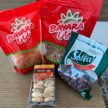 Dried fruit, seeds & nuts